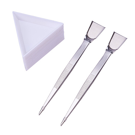 PandaHall Elite 20pcs White Plastic Triangle Bead Sorting Trays and 2pcs Stainless Steel Handy Tweezers with Scoop - Use to Sort, Scoop & Weigh
