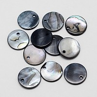 Dyed Natural Flat Round Shell Pendant, Black, 15x2mm, Hole: 1.5mm